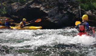 Action i elv og på hav